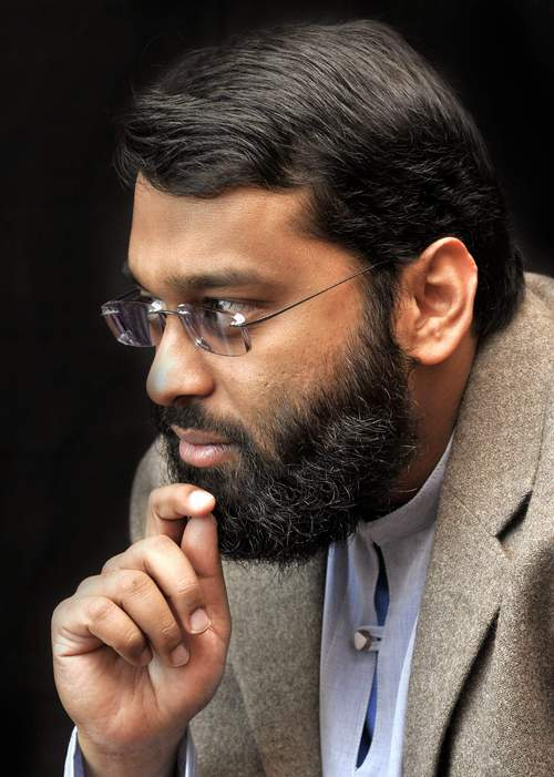 Evolution Debate between Sh. Yasir Qadhi and Usama Hasan