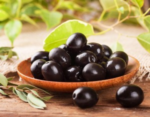 An olive-oil-rich diet is more effective than a low-fat diet in controlling and treating obesity.